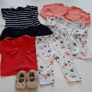 Lot of mix and match baby girl outfits 6-9 months